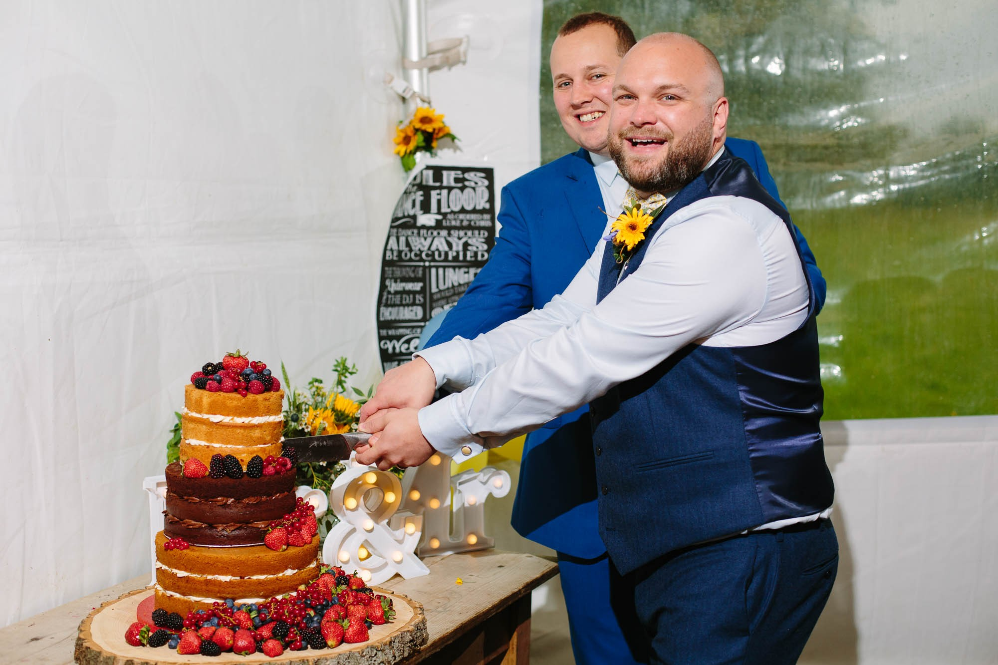0126-Waterfront-Tipi-Wedding-in-Leicestershire-